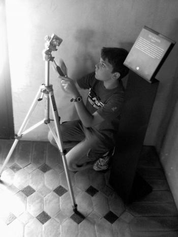 Fotografía para niños. 9.- Haciendo turismo II. Fuera y dentro… pero sin flash